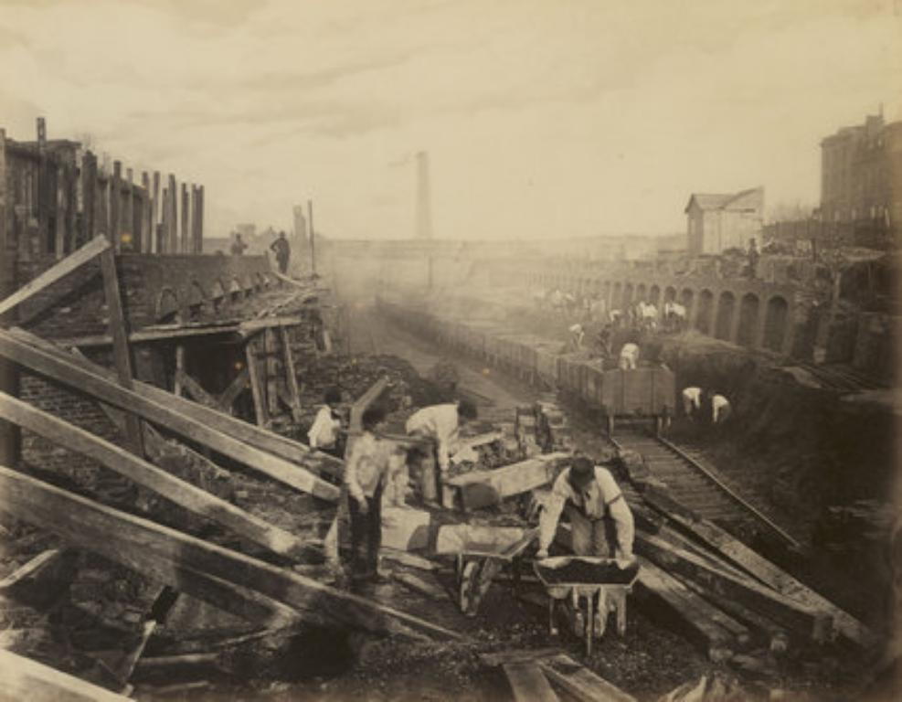 Building the Metropolitan and District railway